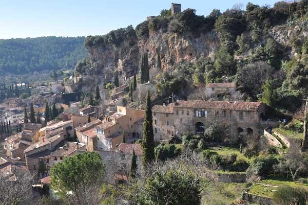 Cotignac on pinterest provence france frances o 39 connor for Gites de france provence