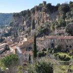 Cotignac village du Var et ses maisons troglodytes