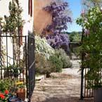 Location de gite dans une bastide provençale du 18ème siècle à la campagne